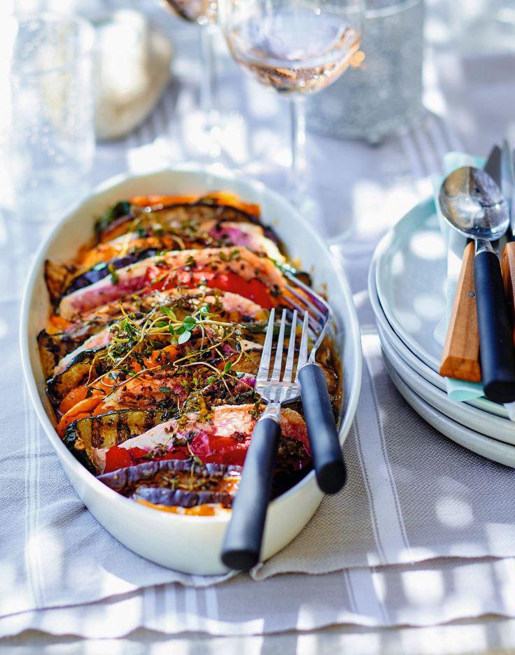 Recette familiale et estivale : le Tian de rouget aux légumes grillés ! Un plat très ensoleillé qui régalera toute la famille.