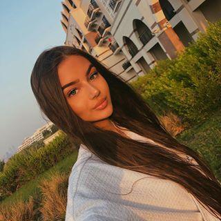 Dzana (Dzzyzzle) • Photos et vidéos Instagram