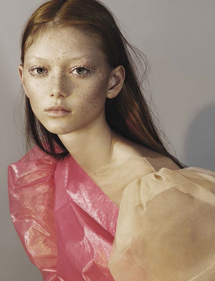 Playground  Publication: Vogue Italia April 2017  Model: Sara Grace Wallerstedt, Cara Taylor, Ansley Gulielmi  Photographer: Mert Alas and Marcus Piggott  Fashion Editor: Marie Chaix  Hair: Soichi...