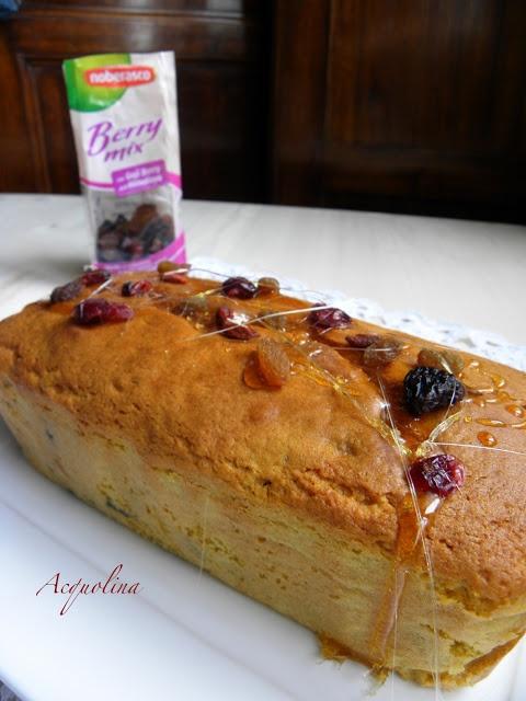 Il Plum cake con uvetta mista di Francesca di Acquolina.