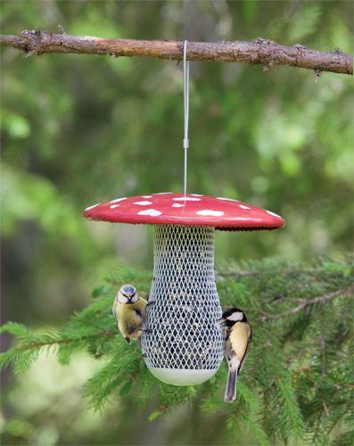 toadstool bird feeder (Google image, available on Swedish website)