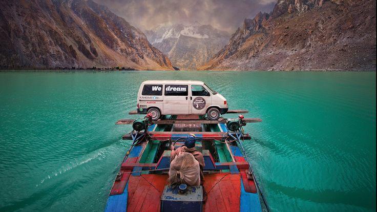 Yleisö-Jussin 2015 voittanut ja some-ilmiöksi noussut elokuva kertoo suomalaisten kaverusten matkasta Nepaliin.