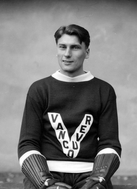 +~+~ Vintage Photograph ~+~+ 1930 Mr. Jerwa, player for The Lions, Vancouver's Ice Hockey Team.