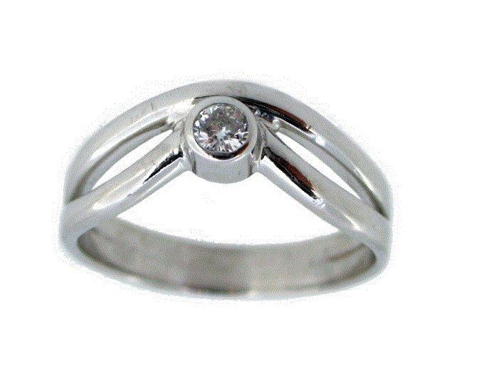 #Anillo de #oro con #diamante talla brillante engastado en #solitario acompañado de certificado gemológico #anello #ring #gold #diamante #diamond