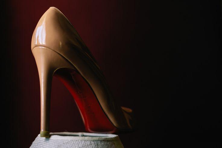 www.sensyle.com Definitely a perfect bridal shoe choice for the perfect wedding! Christian Louboutin LOVE❤ #sensyle #sensylecrew #sensyleweddings