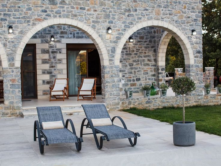 Foinikas villa rental - The pool terrace is equipped with sunbeams and umbrellas!