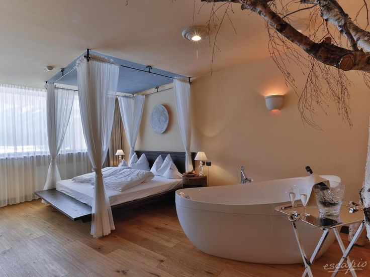 Romantik Hotel Santer in Toblach, Italy: this 4 star hotel is ideal for a ski vacation in South Tyrol. - #bathroom #interior #bedroom #hotelroom #italy #travel #vacation #escape #trip #destinations #reisen
