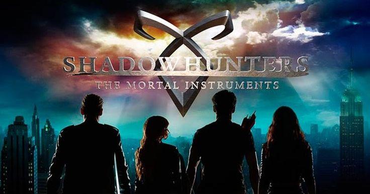 A Freeform liberou um novo vídeo promocional da segunda temporada de Shadowhunters, com direito a mais cenas inéditas da produção.