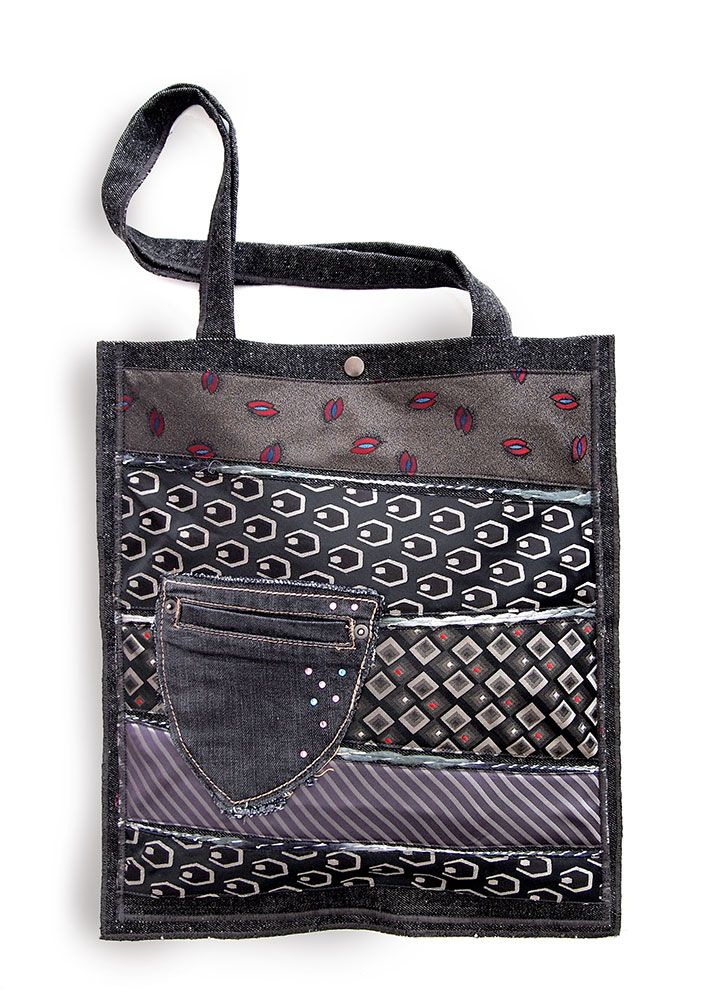 Mega bag - Denim bag with upcycled ties in the front. With higher internal and lower external pocket. Dimensions approximately 36 x 41 cm. The length of the handle 64 cm. One and only. Worldwide delivery! 37.00 €