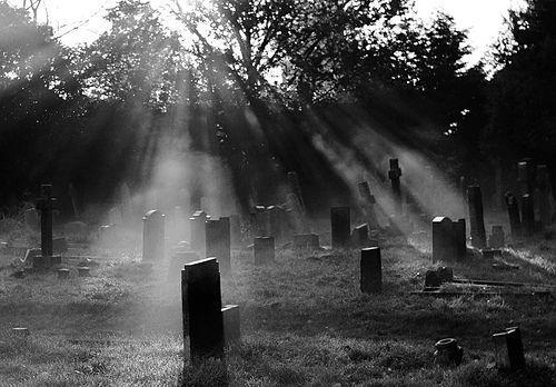 Her ölümde ölen biziz