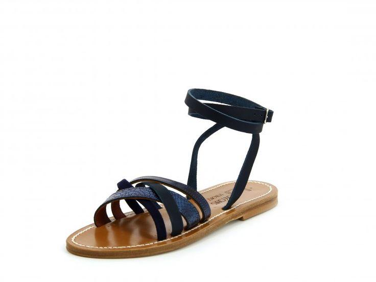 Le modèle GALAPAGOS est le choix parfait si vous recherchez des sandales confortables et facilement portables aussi bien avec une robe courte qu'un short, de jour comme en soirée !  Cette sandale plate est dotée de multiples brides à l'avant du pied et un bracelet qui se règle et s'attache à la cheville.  Les sandales K.Jacques sont fabriquées à la main par nos artisans à Saint-Tropez en France.  Nos tropéziennes sont composées d'une semelle en Cuir et d'un talon en caoutchouc h...