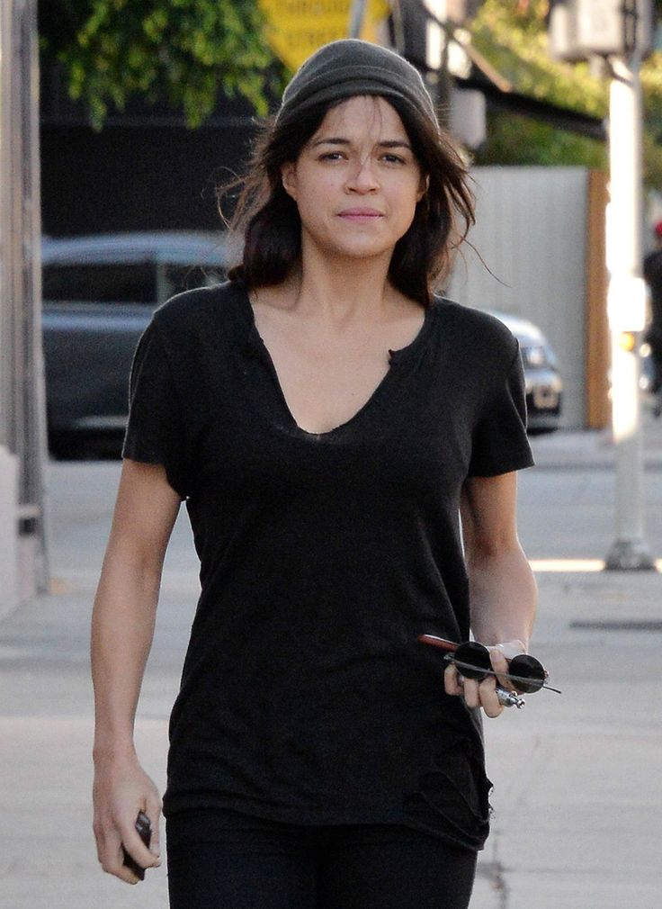 Michelle Rodriguez is seen as she taking a stroll in LA http://celebs-life.com/michelle-rodriguez-is-seen-as-she-taking-a-stroll-in-la/  #michellerodriguez