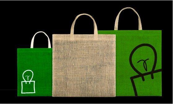 ¿ Y por qué no optar por bolsas ecológicas de #diseño ?  Las bolsas fabricadas con fibras naturales también se ponen de #moda , además, son totalmente #biodegradables  .  ¡ Diferencia tus productos!