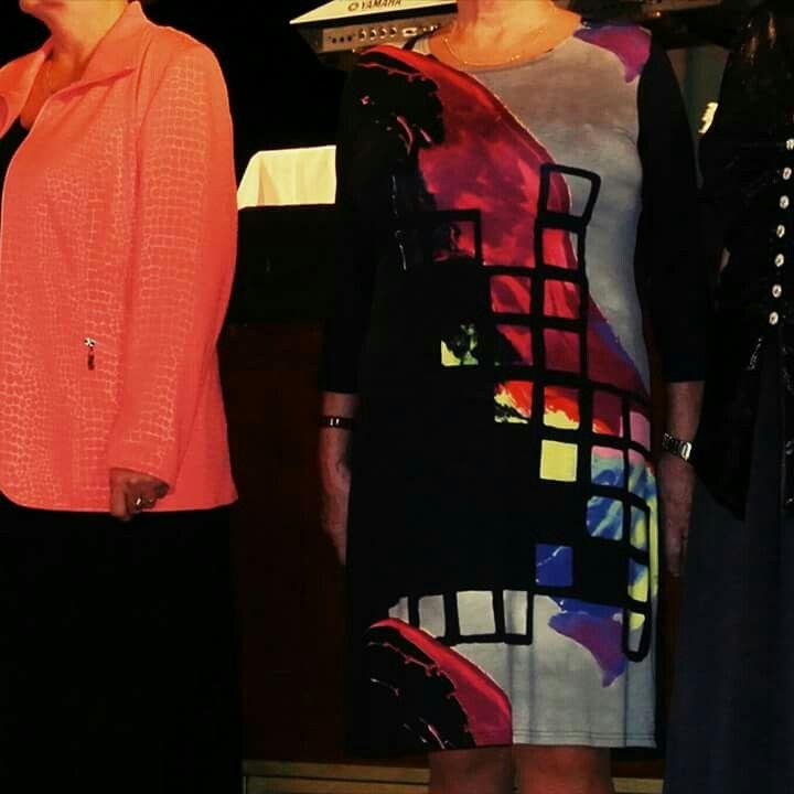 """momentka z módní přehlídky v DKO Jihlava .. v hlavní roli šaty """"VKUS"""" a bundička """"EVA"""" #NaVelCZ"""