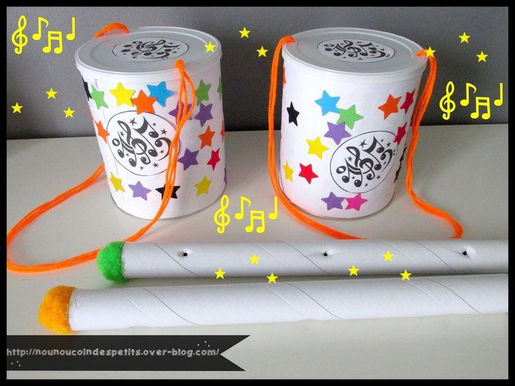 - Petit tambour réalisé avec une boite en fer de lait , on en voit un peu partout sur le net et c'est encore une fois très facile a réaliser! voici notre version a nous que du collage , découper des bandes de papier de la dimension de la boite , ici j'ai...