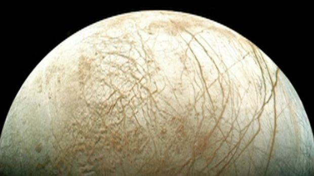 New NASA images show possible water plumes erupting on Jupiter's Europa moon.
