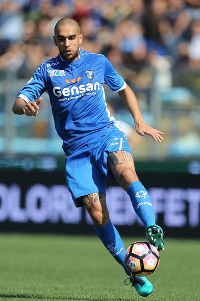 Giuseppe Bellusci of Empoli FC in action during the Serie A match between Empoli FC and Juventus FC at Stadio Carlo Castellani on October 2, 2016 in Empoli, Italy.