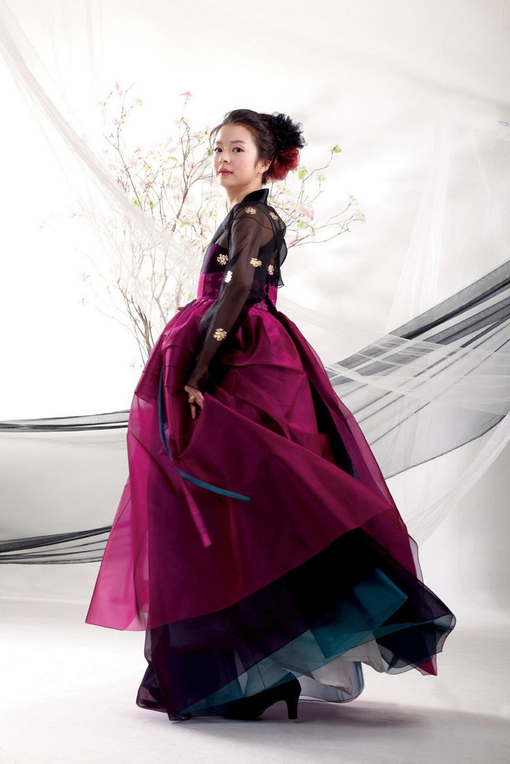 Modern layered 한복 Hanbok / Traditional Korean dress