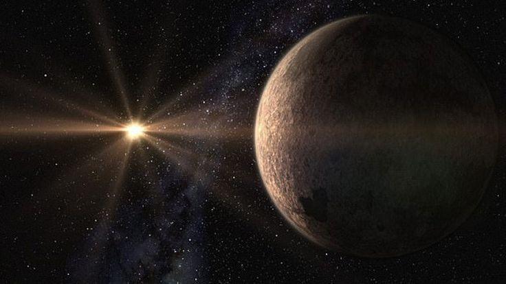 Con un tamaño casi tres veces mayor a la Tierra, se encuentra a tan solo 21 años luz de distancia de nuestro planeta.