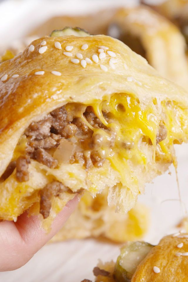 Cheeseburger Crescent Ring - I would sub ground chicken or turkey.