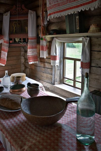 Старинный деревенский интерьер