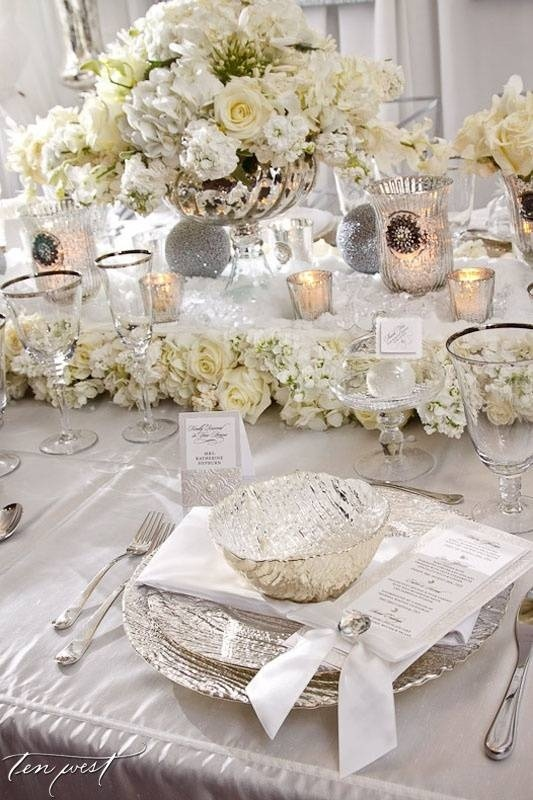 Beautiful Silver And White Table Setting Love The Mercury Gl Wedding Pinterest Settings
