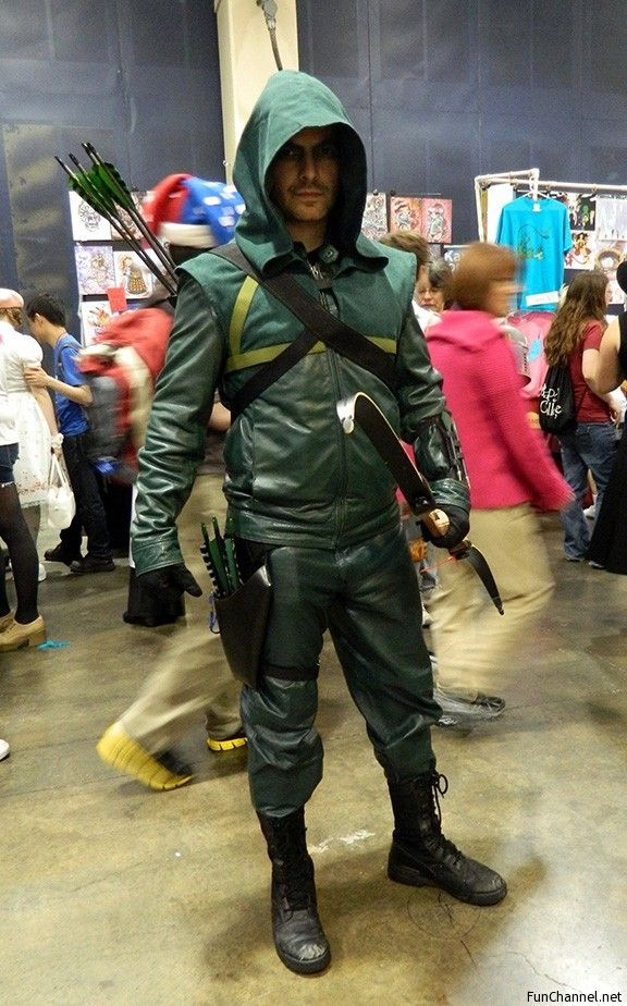Great work on this Arrow costume. The bow is real but unstrung, that's why it looks like he's holding it upside down - Fun Channel Network