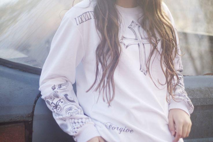 Fan Girl Tattoo White Crewneck Sweater