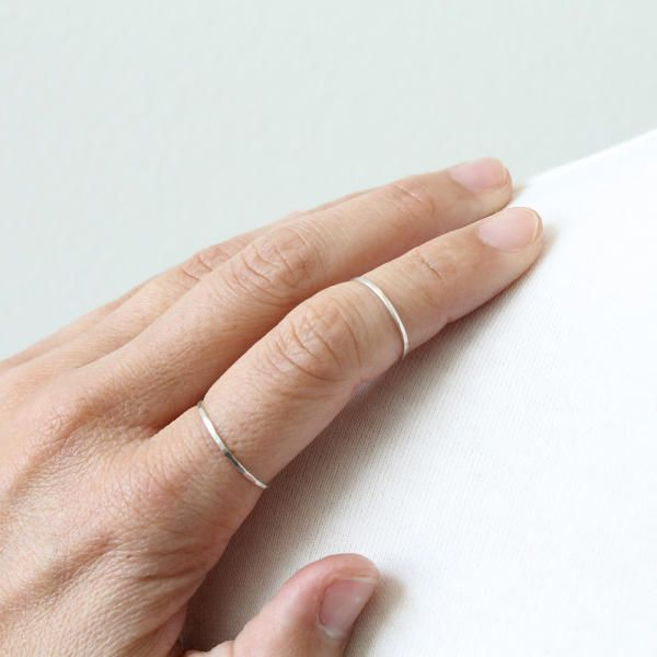 This is one device...not a ring. It's for rheumatoid arthritis to prevent the joint from hyper extending and to give a block in flexion.