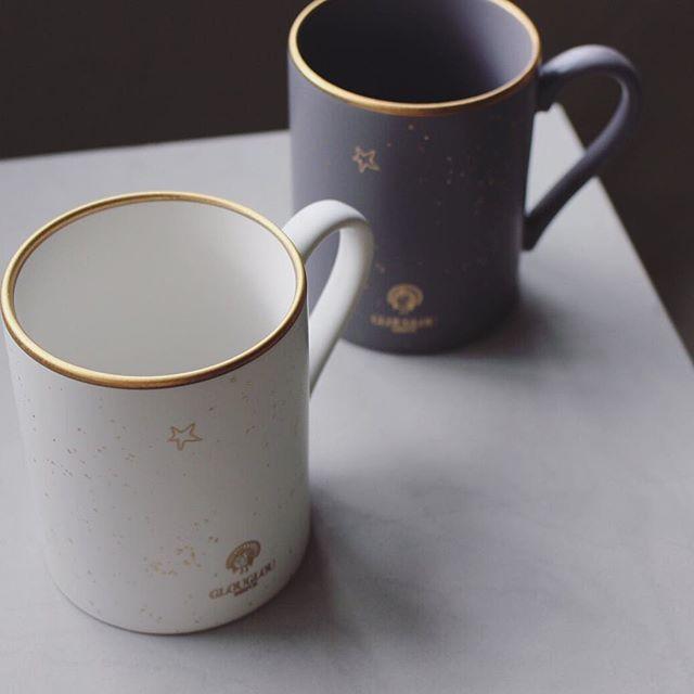 maisondereefur_kiosque:【GLOUGLOU REEFUR Item】 . GLOUGLOU REEFURホリデーアイテムが登場! こちらは、マッドな質感にゴールドのプリントを施した 上品な風合いのマグカップです。 ユニセックスなデザインは、ペアで使用するのもオススメです◎ . GLOUGLOU Star Mug Cup 2,700yen(+tax) . #MAISONDEREEFUR#MAISONDEREEFURKIOSQUE#REEFURWEB#REEFUR#池袋#パルコ#GLOUGLOU#グラス#クリスマス#ギフト#gift#Xmas#Christmas #EOP5762@GLOUGLOU_StarMugCup 2017/12/22 21:07:15