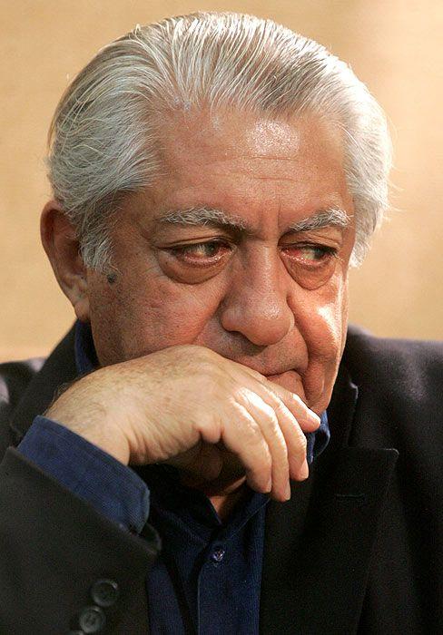 Ezzatolah Entezami Actor Ezzatolah Entezami is an award-winning Iranian actor. Wikipedia Born: June 21, 1924 (age 89), Tehran, Iran Spouse: Mina Entezami (m. 1946–2010) Children: Madjid Entezami