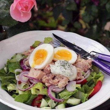 Tonfisksallad med ägg och dillcrème 233 kcal