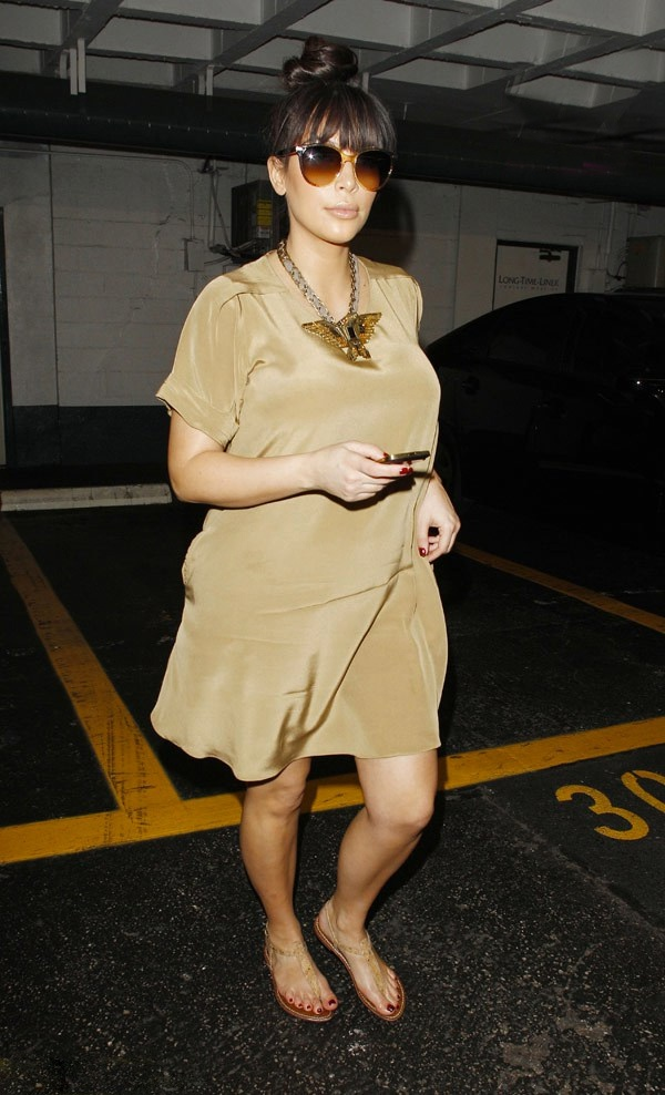 Kim Kardashian's Baby Bump: Now Fashionably Dressed