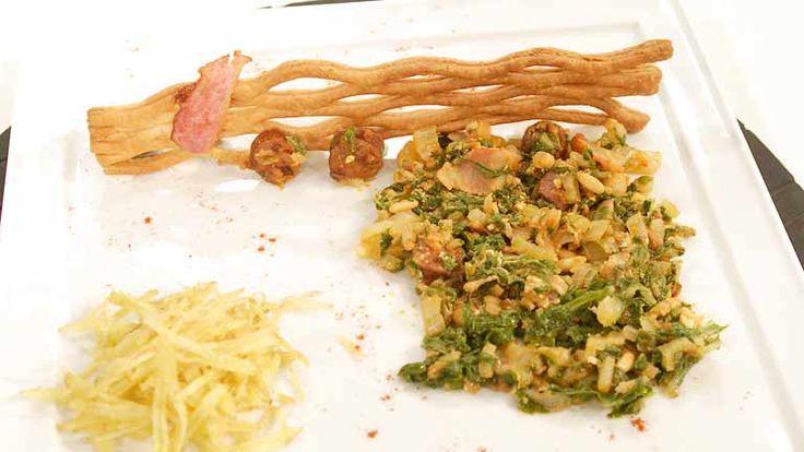 Cómo preparar Acelgas con huevos rotos y frutos secos - RTVE.es