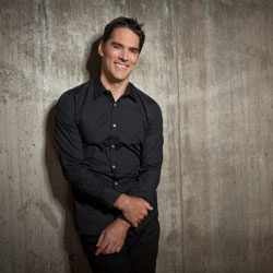Thomas Gibson. Yum. THIS, is why I watch Criminal Minds....
