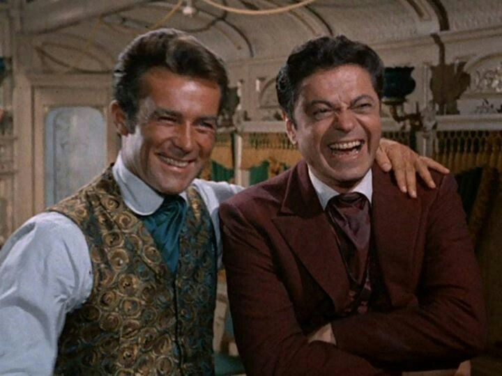 James West (Robert Conrad) and Artemus Gordon (Ross Martin)