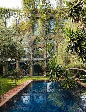 Un labyrinthe a Barcelone : Xavier Corbero, Barcelone, Espagne, piscine.