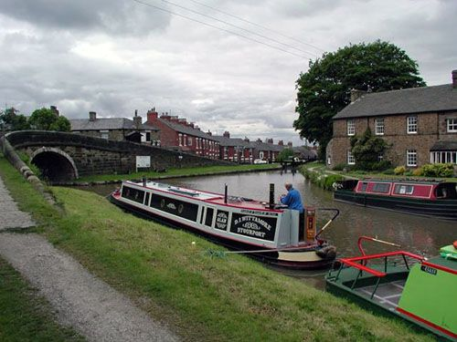 ~ Travel around the Cheshire cruising ring in north-west England on the Trent & Mersey Canal. The circuit includes sections of six canals, passing through Manchester city centre and rural Cheshire, with picturesque views of the Peak District and Cheshire Plain. It takes a week to complete, tackling 92 locks, travelling 97 miles in around 55 hours ~ costs about $1100 ~ add to my bucket list ~
