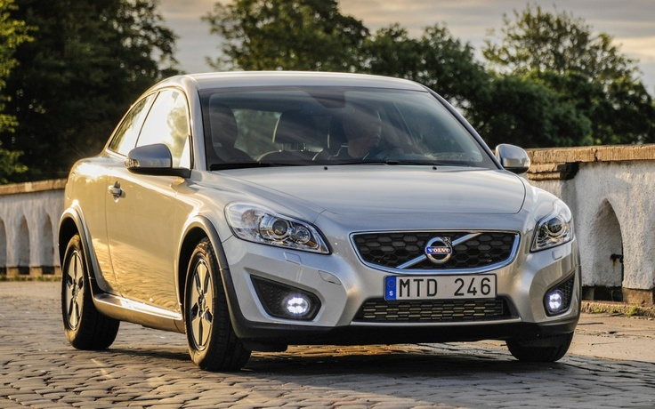 2013 Volvo C30 nowadays the sport hatch is the most fashionable car wanted by shoppers.
