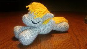 LeoLilie: Gratis Häkelanleitung für ein schlafendes Pony/Pegasus