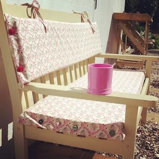 Garden bench Cushion - Easy Peasy Tutorial