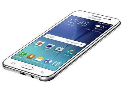 Smartphone com TV Digital e conexão 4G Samsung Galaxy J2 - http://www.blogpc.net.br/2015/12/Smartphone-com-TV-Digital-e-conexao-4G-Samsung-Galaxy-J2.html #GalaxyJ2 #Samsung #smartphones