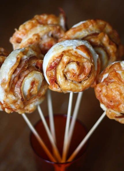 Pizza Lollipops, everything tastes better when served on a stick.