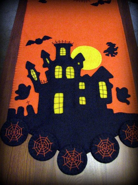 "Hand Stitched 44"" x 15"" Primitive Wool-Felt Halloween Haunted House Penny Rug Tablerunner"