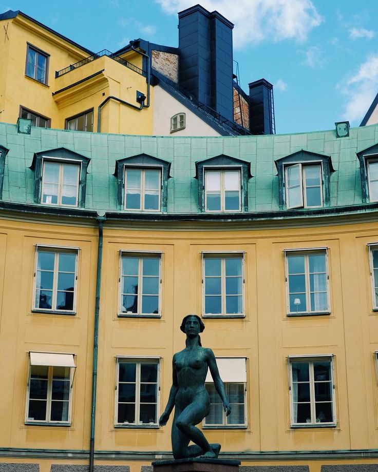 Bratingtorget In Stockholm - Gamla Stan #stockholm . . . . #sweden #northerneurope #europe #travel #urbanexplorer #urban #oldcity #gamlastan #fujixt2 #fuji #fujifilm