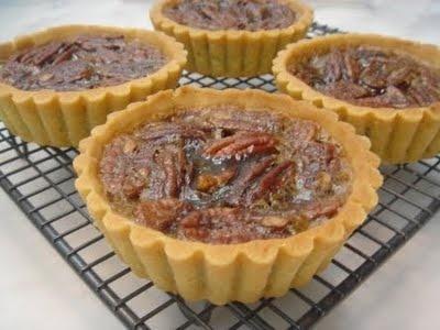 DELICIOUS PECAN TARTS!!Delicious Pecans, Pecans Tarts, Pies Tarts