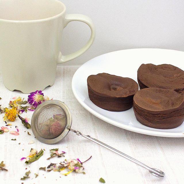 Hora do lanche? O nosso #fondant de chocolate, com uma deliciosa infusão de chá. Quais são as vossas escolhas para hoje?