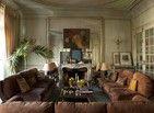 Design e arte brilham em casa com piso tradicional