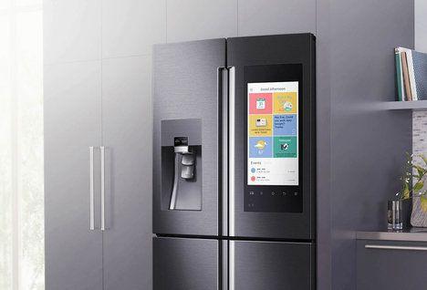Kromě toho všeho se díky zabudovaným reproduktorům stane lednice i velkým přehrávačem hudby, televizí… Samozřejmě při tom nabízí i skvělé technologie a funkce chladničky, úsporu energie a prostor, měnící se dle potřeby z mrazáku na chladničku a opačně; Samsung
