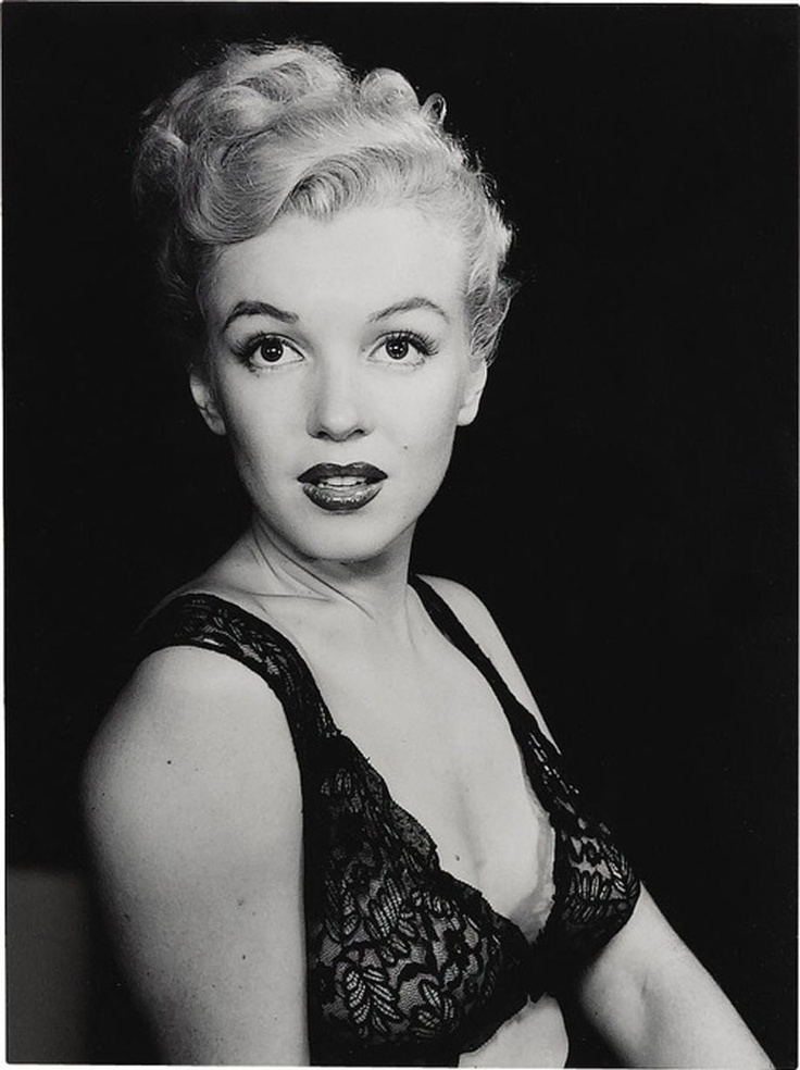 an analysis of the topic of the marilyn monroe hollywood actress Some like it hot - film  marilyn monroe: a life of the actress , ann arbor  legendary in hollywood for the trouble marilyn monroe caused wilder on.